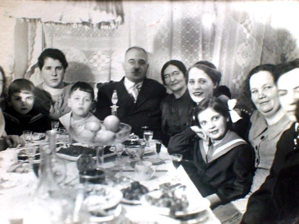 zashel-k-tete-v-vannuyu-popa-trans-na-publike-bolshoy-huy