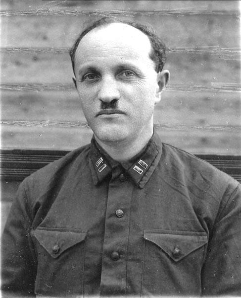 Фото в форме капитана военный